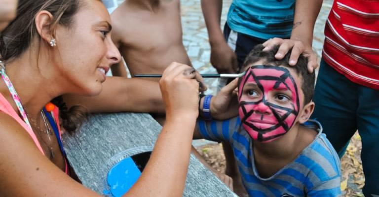 Attività con bambini nella missione in Brasile - Nuovi Orizzonti