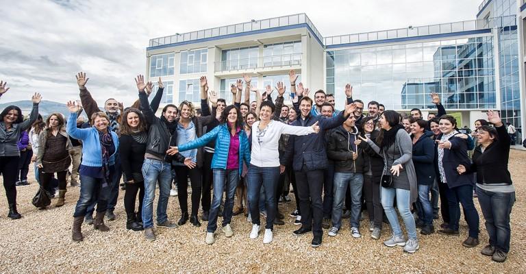 2015: Chiara Amirante con i volontari all'apertura di Cittadella Cielo